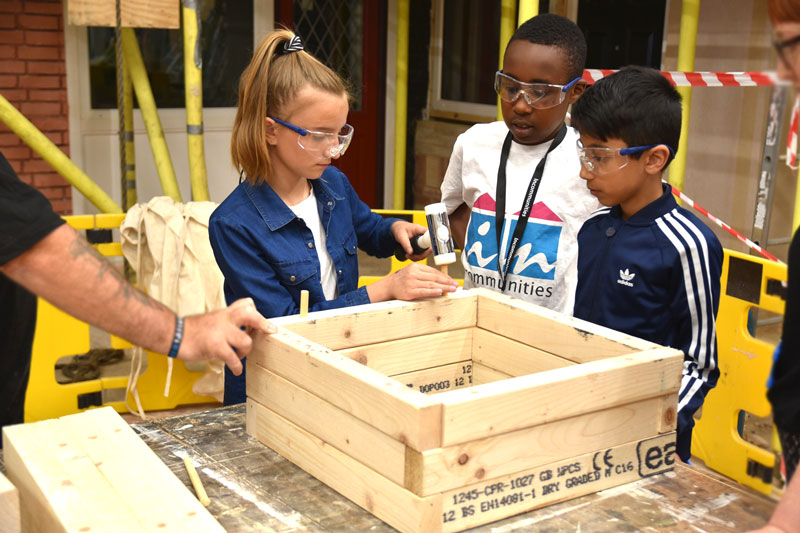 Construction taster day for Bowling Park Primary school kids